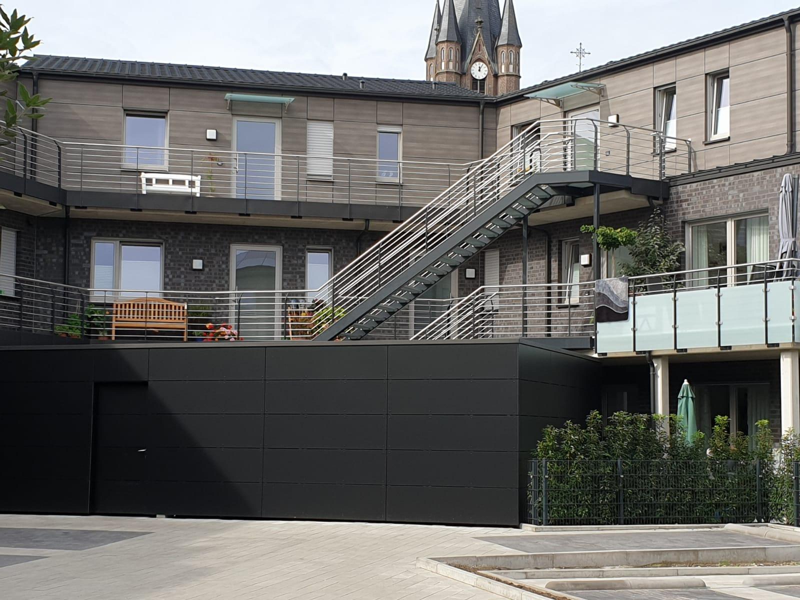 Geländer, Treppenaufbau und Balkonaufbau